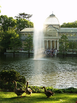 El Retiro Park - Parque del Retiro. Copyright Madrid Visitors & Convention Bureau.
